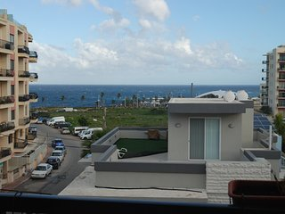 Lovely 2 bedroom Sea View Apartment