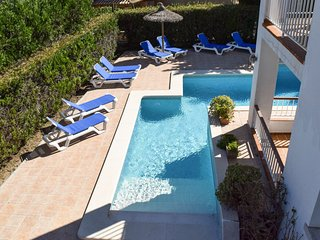 Villa Alexia. Complex (1.1) 10 Apts. Tasteful & Fresh 2 Bedroom Apt. Pool Views