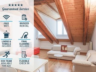 ♡ TriesteVillas ❋A/C❋ Central Romantic attic, WiFi