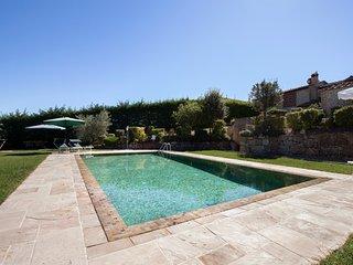 Appartamento CHIANTI con vista panoramica e piscina
