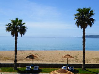 Apartments Tomaras, 1st floor studio, Beachfront