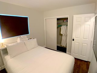 Private BR In The ❤️ Of The Bay ⭐️ W/D ⭐️ Russell City Room ⭐️