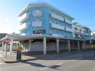 Great Apartment in Central Location Near the Beach - Beach Place Included