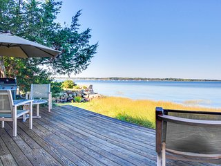 Peaceful and convenient Newburyport manse - dogs welcome
