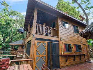 2 BEDROOM FANTASTIC Palapa Deck with Grills/Big Screened Porch Boathhouse Villa