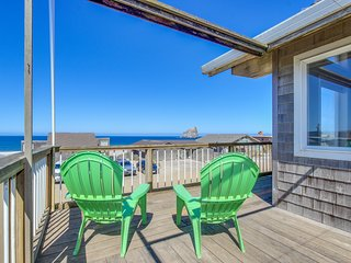 Ocean view home w/ wrap-around deck & high-end furnishings - steps to the beach!