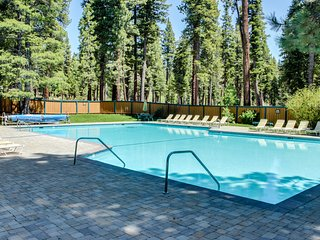 Updated condo w/ a shared pool, hot tub, tennis, & bocce