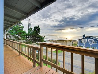 Relaxing home w/ ocean view, tranquil setting, close to beach!