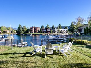 Lakefront home on the Tahoe Keys w/ resort amenities - pool, hot tub, tennis!