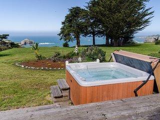 Oceanfront home w/ private hot tub, ocean views & entertainment!