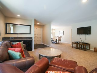 Fully renovated vacation rental with 3D TV - Close to beach and skiing