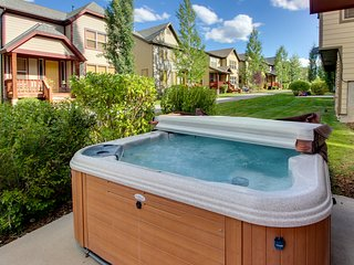 Contemporary home w/private hot tub, fireplace, garage parking, & shared pool!