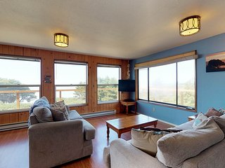 Oceanfront, dog-friendly, secluded home near golf & beaches