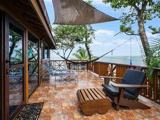 TURTLE BEACH BRAND NEW 2 Bedroom Beachfront Seascape Villa - Amazing, Full Kitch