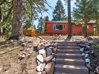Warm and cozy cabin w/ modern comforts, hot tub, spa, and a great location!