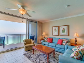 18th-floor beachfront condo w/ views, shared pool/hot tub - snowbirds welcome!