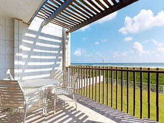 Beachfront dog-friendly condo w/Gulf views & a shared pool!