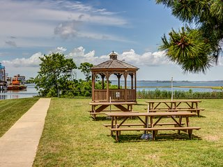 Condo w/ shared pool, dock, & beach access - partial bay views