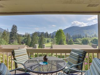 Charming mountain condo w/ golf course views & nearby ski access!