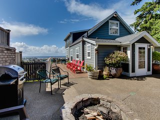 Renovated home w/ ocean views, private hot tub & nearby beach access