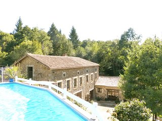 La Rive - Rural Riverside Gite with Pool 250m from Bar/Restaurant and Bakery