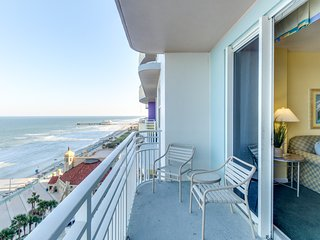 Oceanfront condo w/ views, pools, hot tub, & nearby beach - snowbirds welcome!