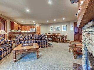 Cute ski-in/ski-out condo w/ shared hot tub & pool + Club Solitude access!