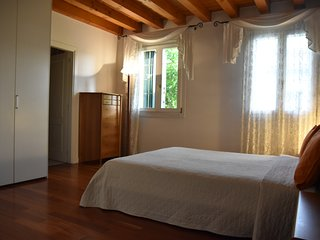 Elegant  room inVenice Villa with private bathroom (Jacuzzi)