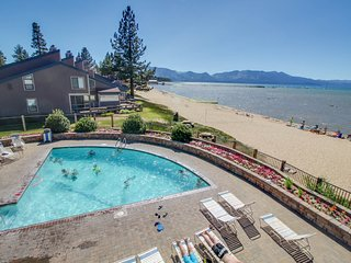 NEW LISTING! Cozy condo w/shared pool, hot tub, tennis, close to beach & casinos