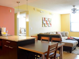 Clearwater Beach Condo 2 B|R fits 5-8 ppl
