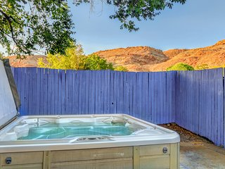 Colorful condo w/ shared hot tub & private patio, near Arches National Park