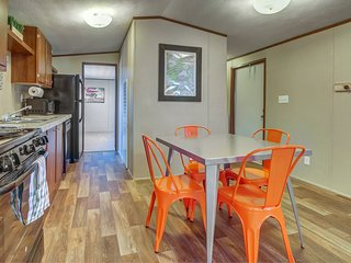 Spacious home w/ stunning views, close to Arches National Park!