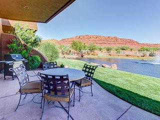 Dog-friendly, waterfront condo w/ shared pool & hot tub - close to Zion!