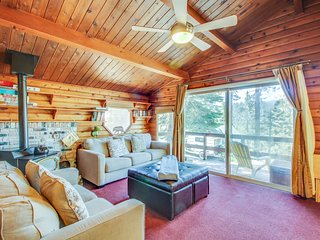 Cozy, cabin-style home w/ balcony & partial lake views - close to town, dogs OK!