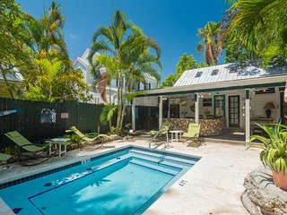 Historic vacation rental with a private pool - dog-friendly!
