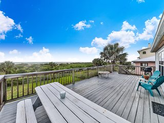 Dog-friendly oceanfront home w/ deck, views & beach access - snowbirds welcome!