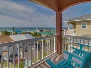 Multi-level beach home w/ shared pool & ocean views - snowbirds welcome!