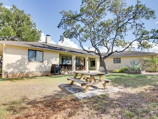 Spacious, family-friendly home w/ well-appointed patio - close to the lake