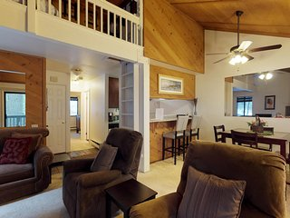Romantic mountain condo w/ shared pool, hot tub, deck, & wood-burning fireplace