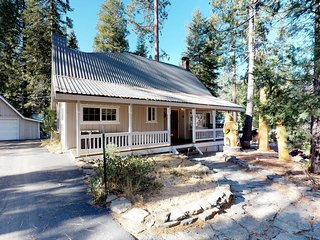 Cozy home w/ spacious decks & a long driveway for boat parking, 1 mi to town!