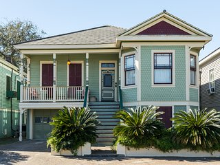 Dog-friendly home with rich history near sights, beaches, shopping, & dining!