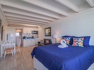 Bright, beachfront studio w/ Gulf views, a shared pool, & great beach access!