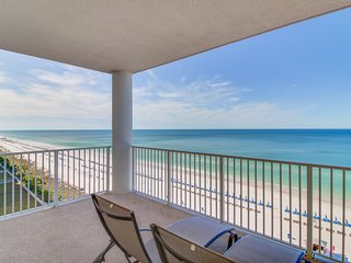 Oceanfront condo w/shared pool & hot tub - easy beach access & sweeping views!