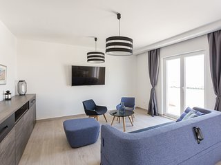 Apartments Bella Vista - Premium Two Bedroom Apartment with Two Balconies