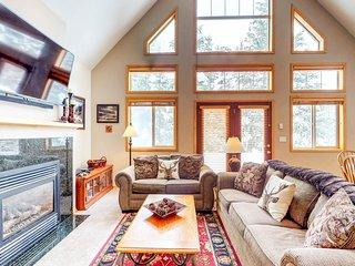 Home w/ shared hot tub & pool - close to golf course, lake & ski resorts!