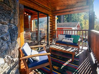 Monte Rio Log Cabin - Russian River Relaxation!