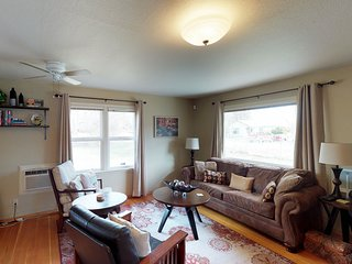 Perfect for a large family - dog-friendly homes w/ fenced yard - walk downtown!