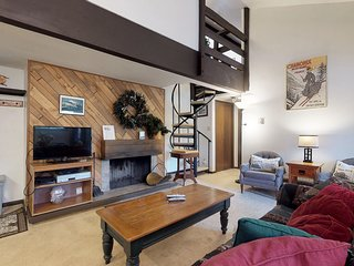 Ski chalet w/ balcony & shared outdoor pool & hot tub - close to Mountain House