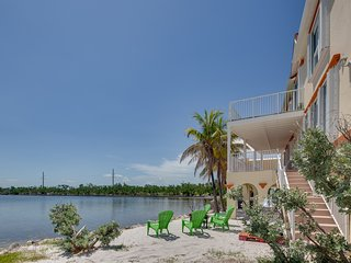 NEW LISTING! Oceanfront home with private hot tub and amazing ocean views!