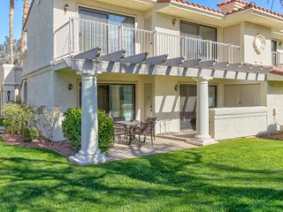 Convenient, dog-friendly condo with shared pool and hot tub - close to golf!